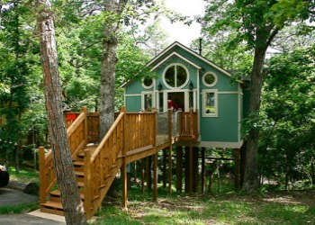 Grand Treehouse Resort in Arkansas