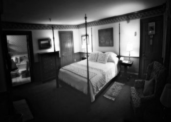 Ghosts of Concord and the Colonial Inn