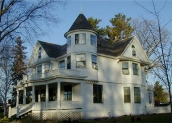 Whistle-Stop-Inn-Bed-and-Breakfast-Main.jpg (350×250)