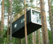 SwedenTheCabinTreehouse.jpg (180�150)