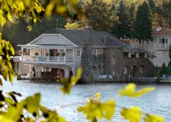 The Lake George Boathouse Bed & Breakfast