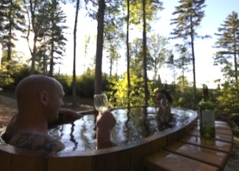 Ridgeback Lodge Dome Hottub