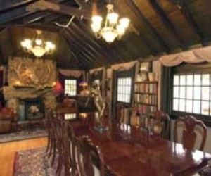 Onaledge Bed and Breakfast  Dining Room