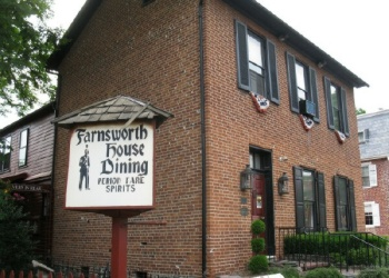 Haunted Farnsworth House Inn in Gettysburg, Pennsylvania