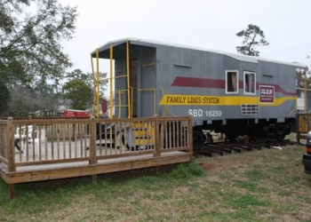 Railside Lodging Family Line Caboose