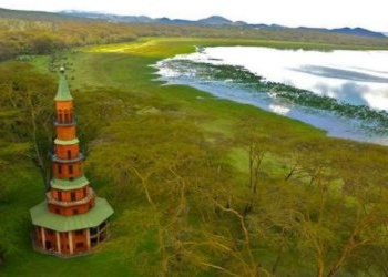 Hippo Point Dodo's Tower on Kenya�s Lake Naivasha