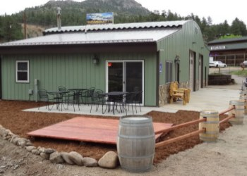 Clifton1Aspen_Peak_Cellars.jpg (350�250)